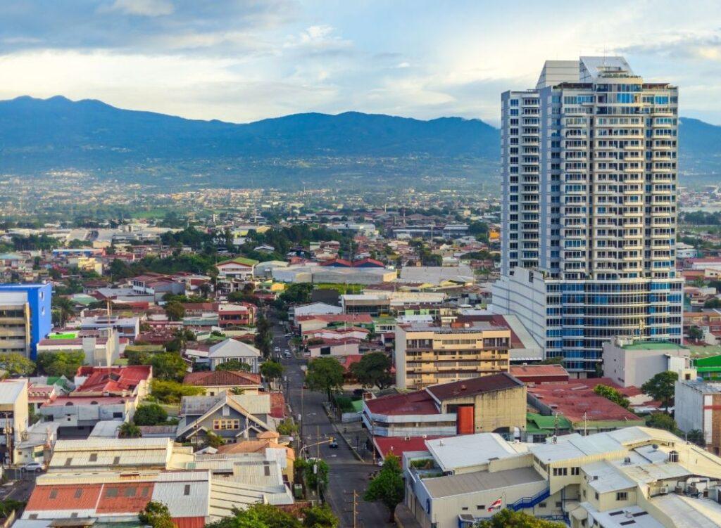 Travel around Costa Rica
