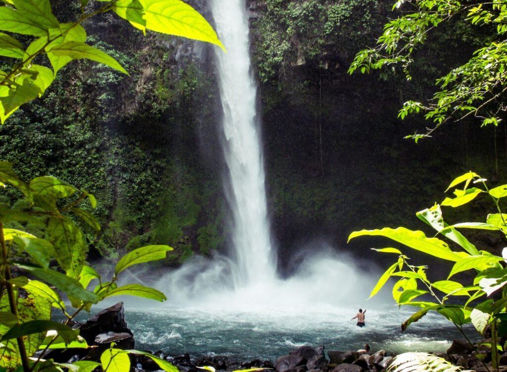 Tours in Arenal - La Fortuna Waterfall